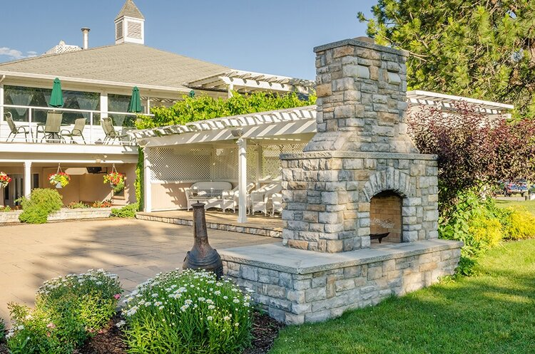 Outdoor fireplace builder Bay Area